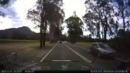 Pour quelle raison cette limousine était garée au milieu de la route ?