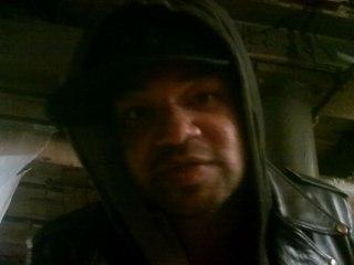 FreeSol - Hoodies On, Hats Low