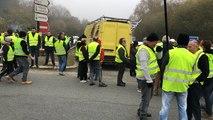 Gilets jaunes à Guingamp : des centaines de manifestants à Kernilien