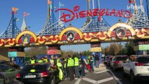 Gilets jaunes : Disneyland Paris, autoroutes... les blocages se poursuivent