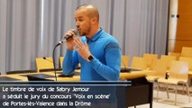 Son timbre de voix particulier a séduit le jury de Voix en scène à Porte-lès-Valence dans la Drôme