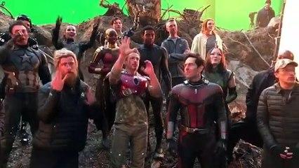 Dàn Avengers hát mừng sinh nhật Thanos