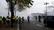 Gilets jaunes à Paris : les gilets jaunes sont éparpillés dans toutes les rues