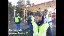 Gilets jaunes: au péage de Saint-Etienne-du-Bois