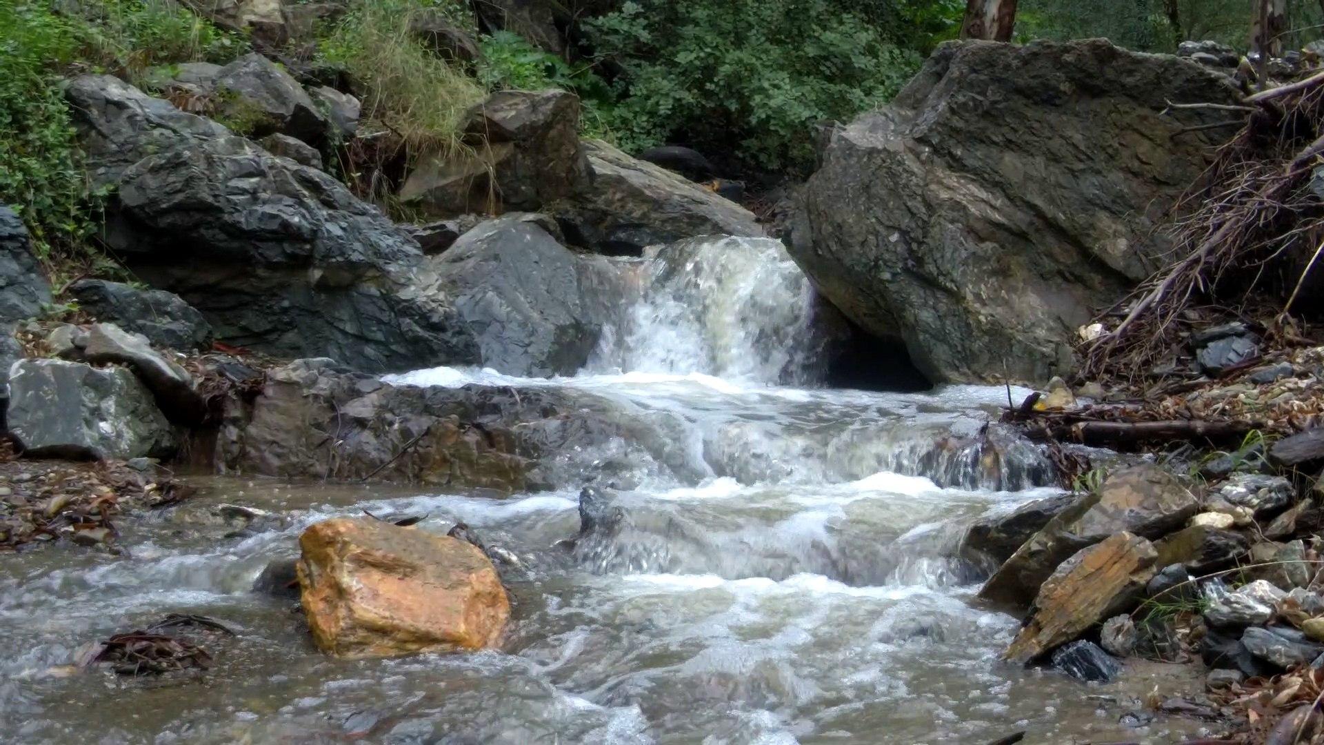 Cascada de Picapedreros (Tráiler a cámara lenta)