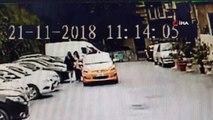 Taksici tepki gösteren turistlere tükürdü... İstanbul'un göbeğinde taksici terörü kamerada