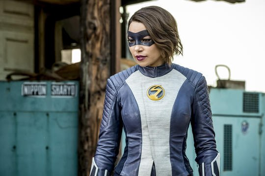 The Flash's Candice Patton and Jessica Parker Kennedy Preview 100th Episode