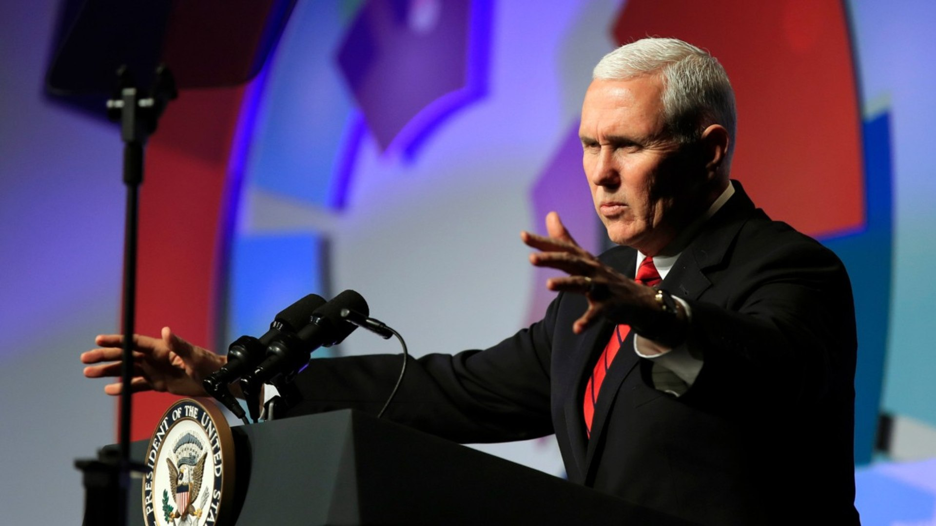 Mike Pence Tweets and Later Deletes Interesting Photo