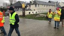 Marche jaune vers le Mont-Saint-Michel