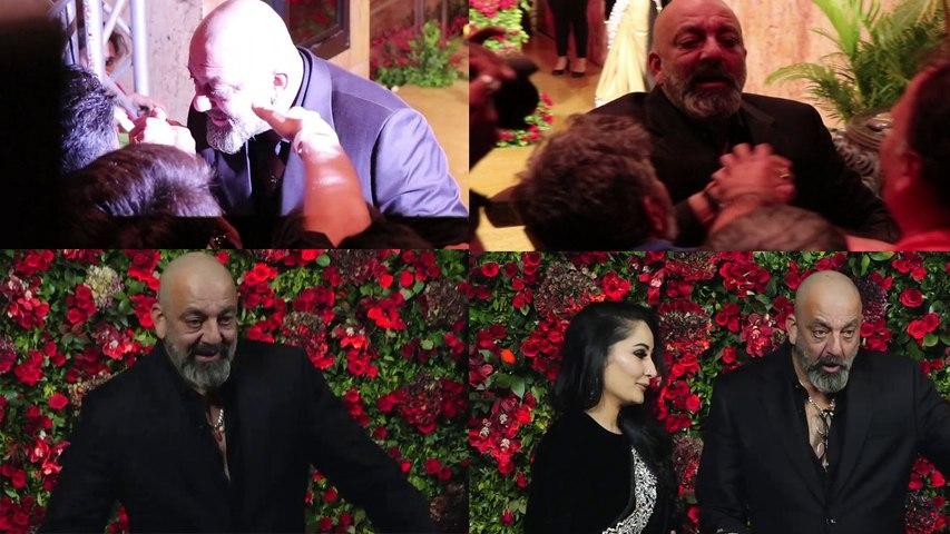 Deepika & Ranveer Reception: Sanjay Dutt Enjoys with Media Photographers | Boldsky