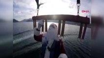 Muğla Noel Baba, Deniz Paraşütüyle Halkı Selamladı