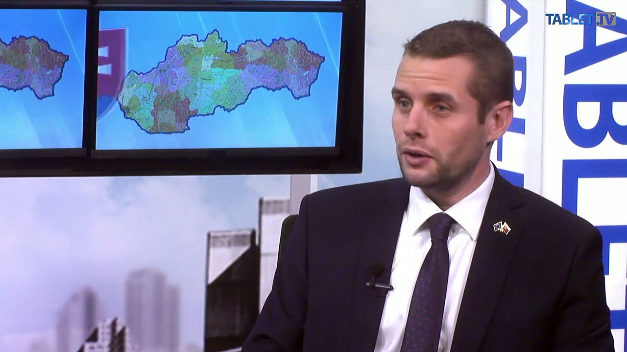 KLUS: Migračný pakt dáva Lajčákovi šancu odísť z vlády