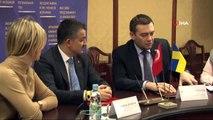 - Tarım ve Orman Bakanı Pakdemirli Kiev'de- Tarım ve Orman Bakanı Bekir Pakdemirli, Ukrayna Tarımsal Politika ve Gıda Bakan Vekili Maksym Martynyuk ile bir araya geldi.