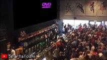 Quand le logo DVD touche le coin de l'ecran :  grosse célébration dans un pub anglais (parodie)
