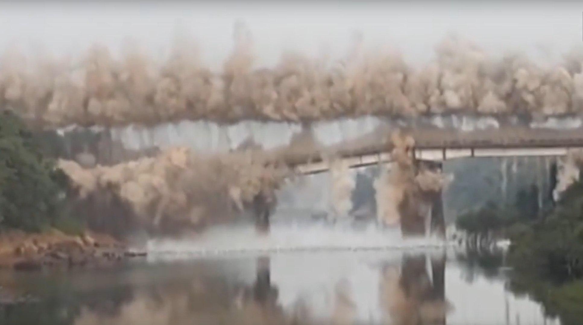 Watch: 100-year-old bridge demolished in Thane