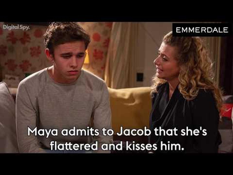 Emmerdale: Maya KISSES Jacob | Daz in drunk hit-and-run (Soap Scoop Week 49)