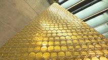 Ce sapin de Noël en or exposé à Munich vaut 2,3 millions d'euros