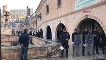 Şanlıurfa Hdp Şanlıurfa İl Binasına Operasyon; Gözaltılar Var