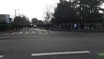 Face à face avec les forces de l'ordre en cours devant le lycée Briffaut de Valence.