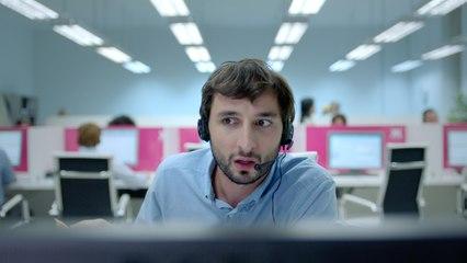 CIC – Spot TV – Le centre d'appels – Version Longue // Courte – Présenté par le CIC