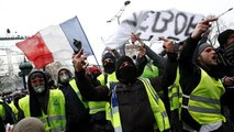 Yellow vest protest: Anger at riot police punishment of students