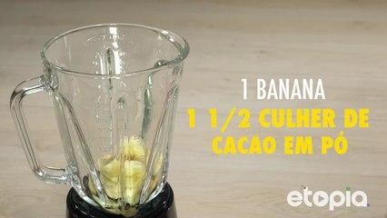 Saudável vitamina de banana e chocolate