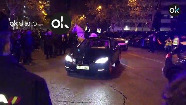Florentino y los jugadores del Madrid llegando al estadio