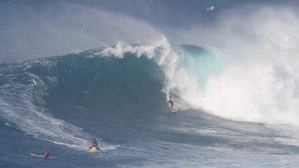Riesewellen vor Maui