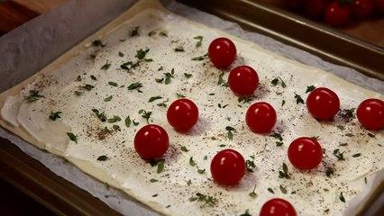 Pizza De Hojaldre Con Queso De Cabra Miel Y Tomates Cherry