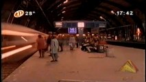 Clip da hora antigo Canal 21 Clip com visual incrível imagens aceleradas Mark Clen Berlin Last Station