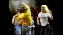 SYLVIE Vartan et JOHNNY Hallyday_ Ballet bagarre bras de fer! (Show Vartan 1975)