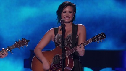 Demi Lovato - Don't Forget / Catch Me (Vevo Certified SuperFanFest)