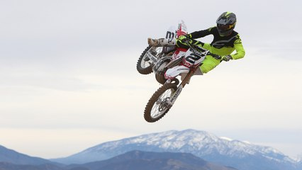 Broc Tickle Rips Ryan Villopoto's YZ250 Two-Stroke