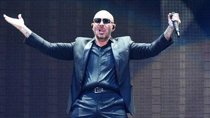 "Pitbull Realiza Cover De ""África"" Para La Banda Sonora De 'Aquaman'"