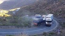 Un camion sans frein  en pleine descente détruit tout sur son passage