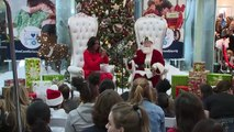 Michelle Obama and Father Christmas do Fortnite dance!