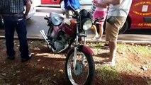 Motociclista tem vários ferimentos em colisão traseira na Av. Brasil
