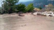 Antalya'da kuvvetli yağış...Yağış dev dalgalar oluşturdu, Göynük Kanyonu ile Boğaçayı Deresi'nde sele neden oldu