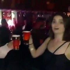 Quand une Irlandaise boit une pinte de bière...