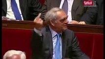 Le doigt d'honneur de Henri Emmanuelli à François Fillon