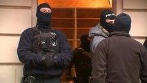 شاهد: الشرطة الألمانية تداهم مسجدا للاشتباه في تمويل مقاتل في سوريا