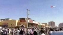Sudan'da Ekmek Fiyatları Protesto Edildi- Parti Merkezi Ateşe Verildi- Sokağa Çıkma Yasağı İlan...