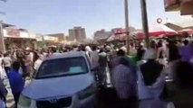 - Sudan'da Ekmek Fiyatları Protesto Edildi- Parti Merkezi Ateşe Verildi- Sokağa Çıkma Yasağı İlan Edildi