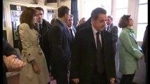 Nicolas Sarkozy n'aime pas faire la queue au bureau de vote