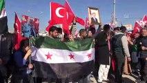 Suriyelilerden sınırda Türkiye'ye destek - ŞANLIURFA
