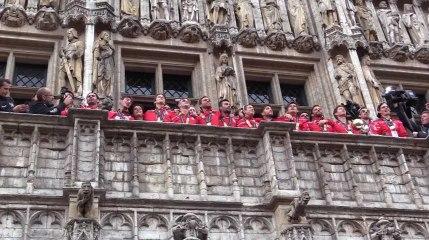Les Red Lions, champions du monde, mettent le feu à la Grand-Place