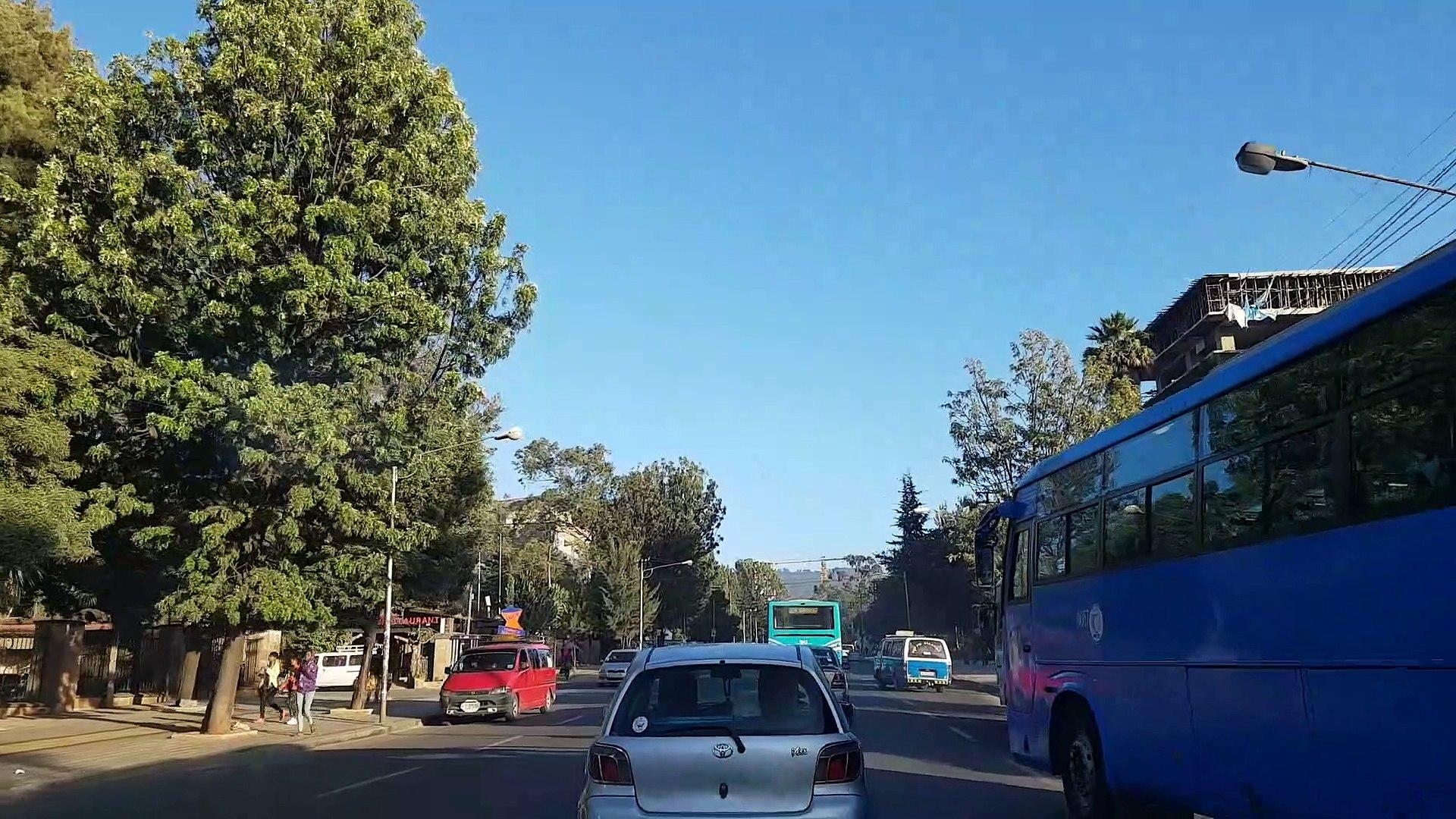 Fahrt durch Addis Ababa / Addis Abeba  - Ethiopia
