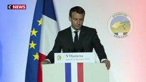 Au Tchad, Emmanuel Macron rend hommage aux soldats morts