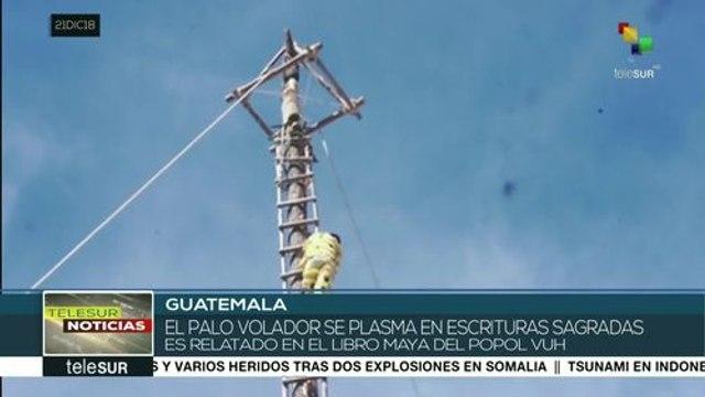 Miles asisten al Festival del Palo Volador en Chichicastenango