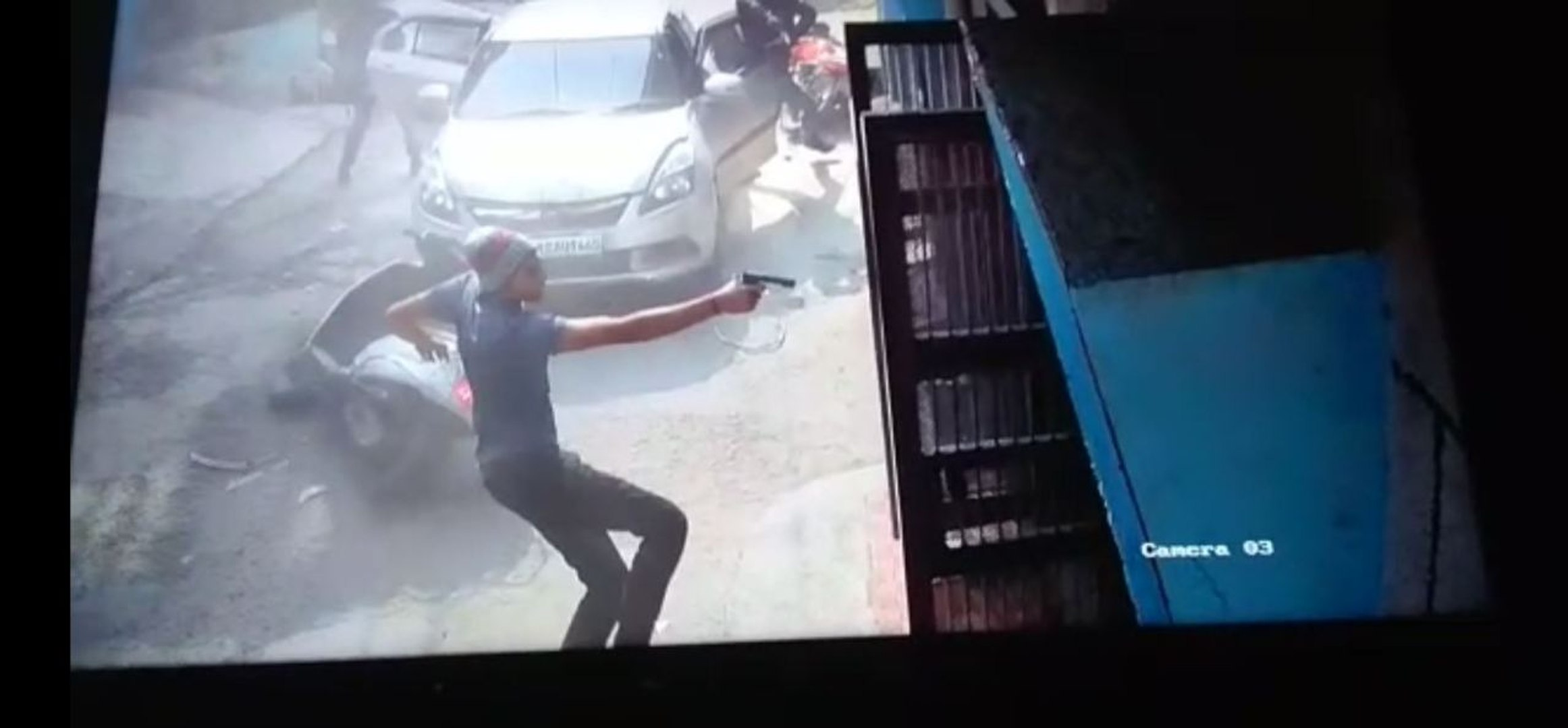 Caught on Camera: 40-year-old Delhi man escapes gun attack by a whisker
